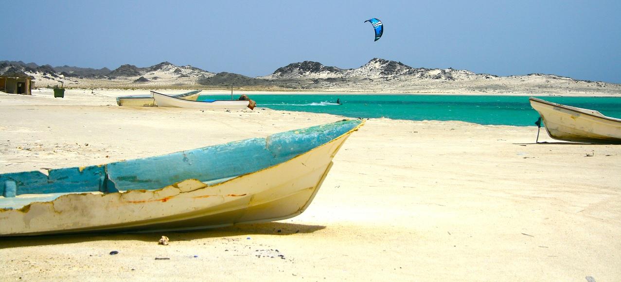 Afbeeldingsresultaat voor Masirah Island kitesurf